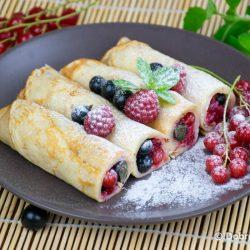 Блины со свежими ягодами – вегетарианский пошаговый рецепт приготовления с фото