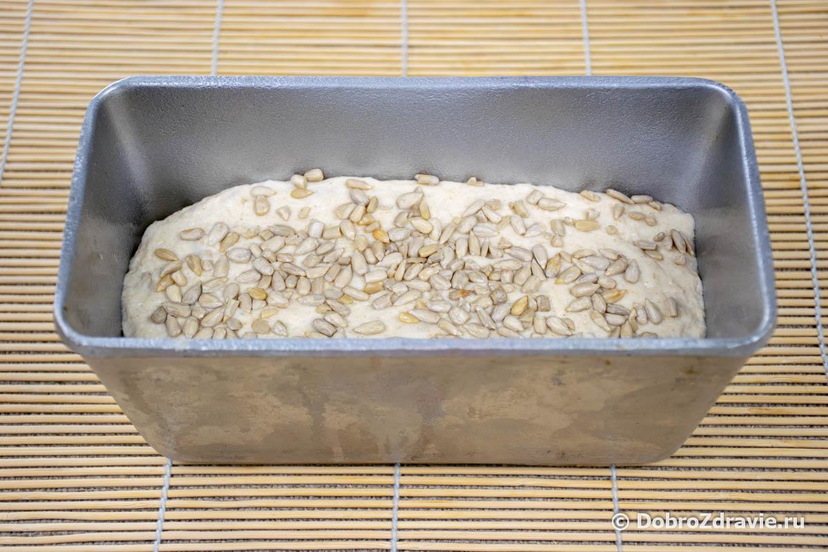 Домашний белый хлеб с изюмом и семечками на закваске - пошаговый рецепт приготовления с фото
